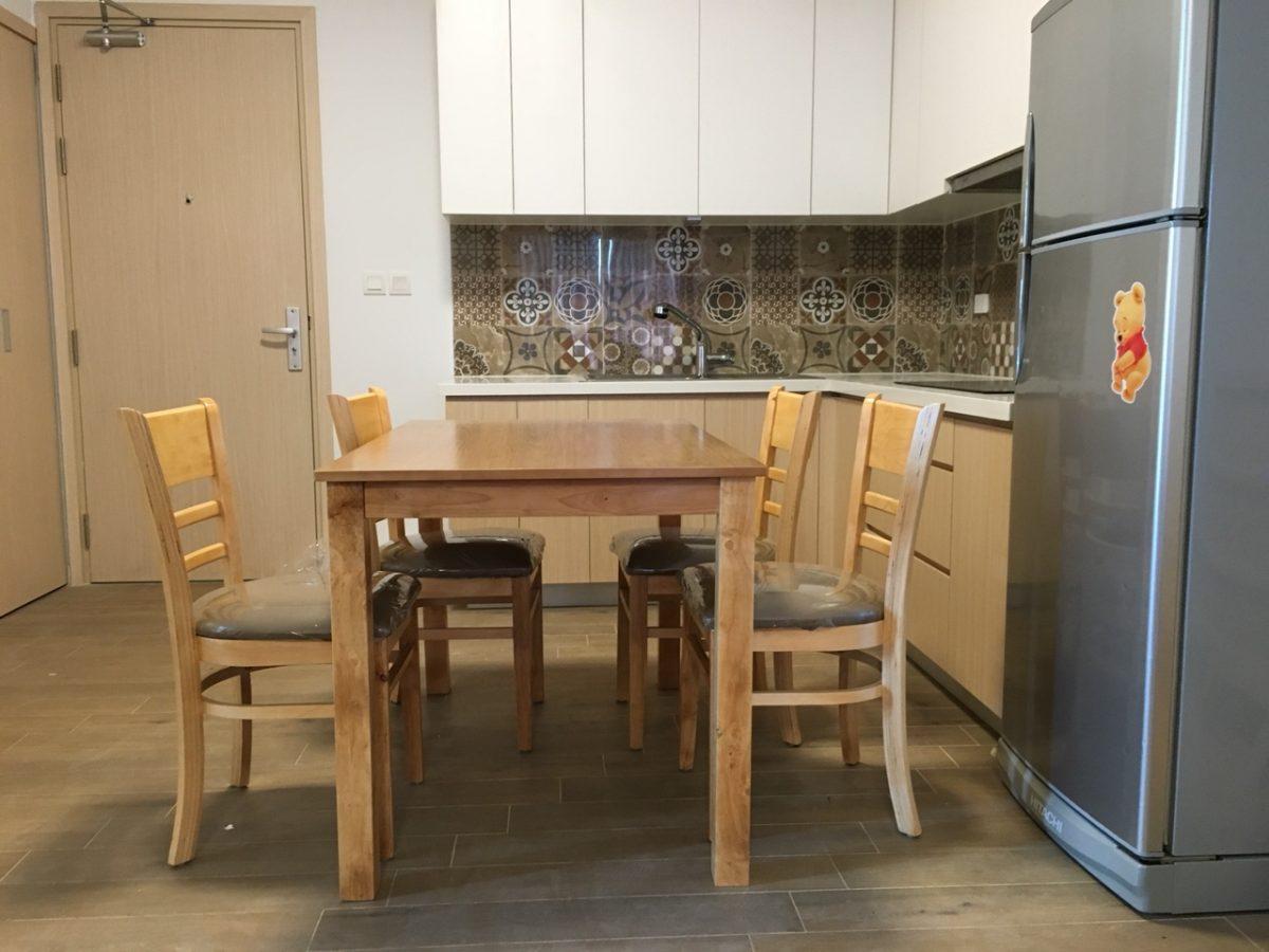 Mẫu bàn ăn 4 ghế gỗ tự nhiên tại nhà bếp khách hàng nội thất Lương Sơn