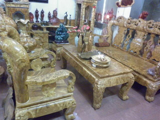 Bàn ghế gỗ nghiến từ 5-10 triệu đồng