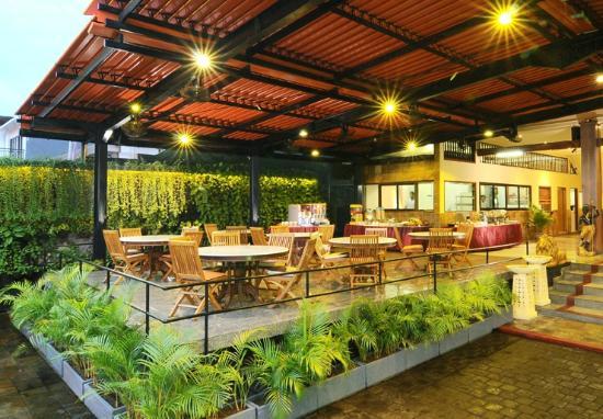 Mẫu quán café sân vườn - xu hướng thịnh hành nhất 2020